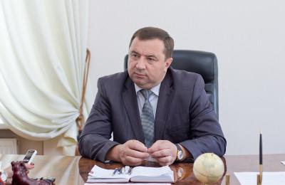 levchenko_za_stolom